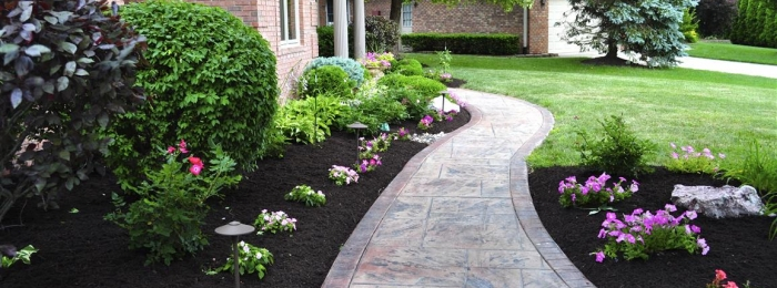 NEED MULCH? WE'VE GOT YOU COVERED!